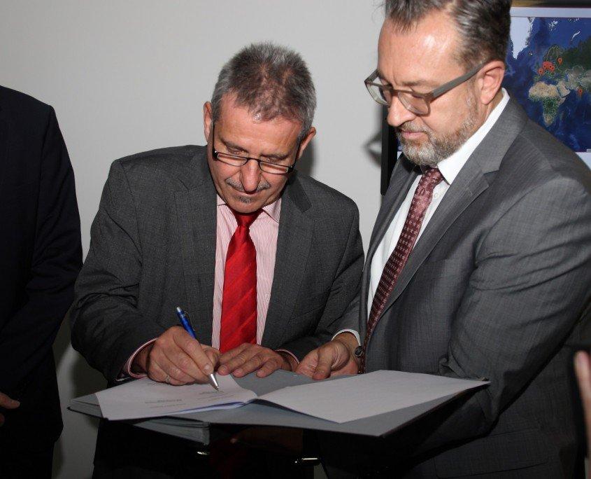 Smart_Electronic_Factory_Unterzeichnung
