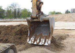 Umfangreiche Erdarbeiten sind nötig, um dem Gebäude ein sicheres Fundament zu gewährleisten.